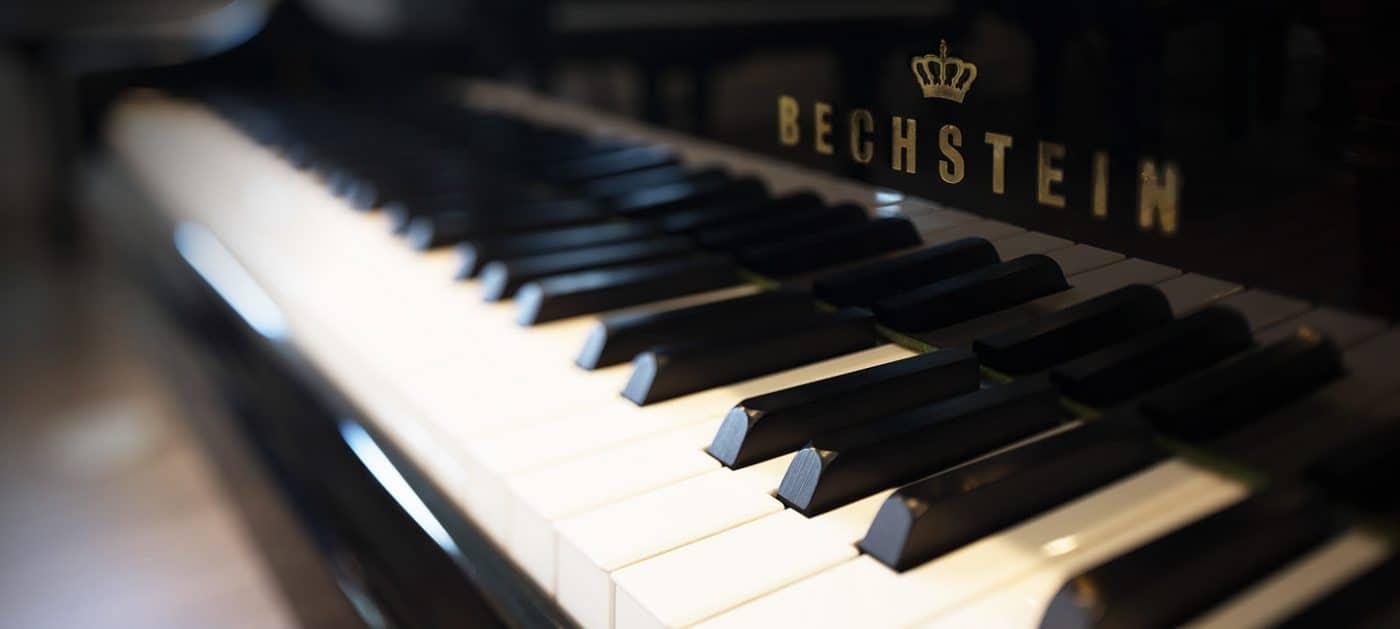 pianos-background-image-12