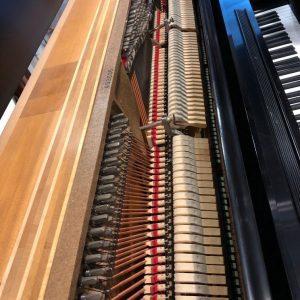 Pianos-background-image-16